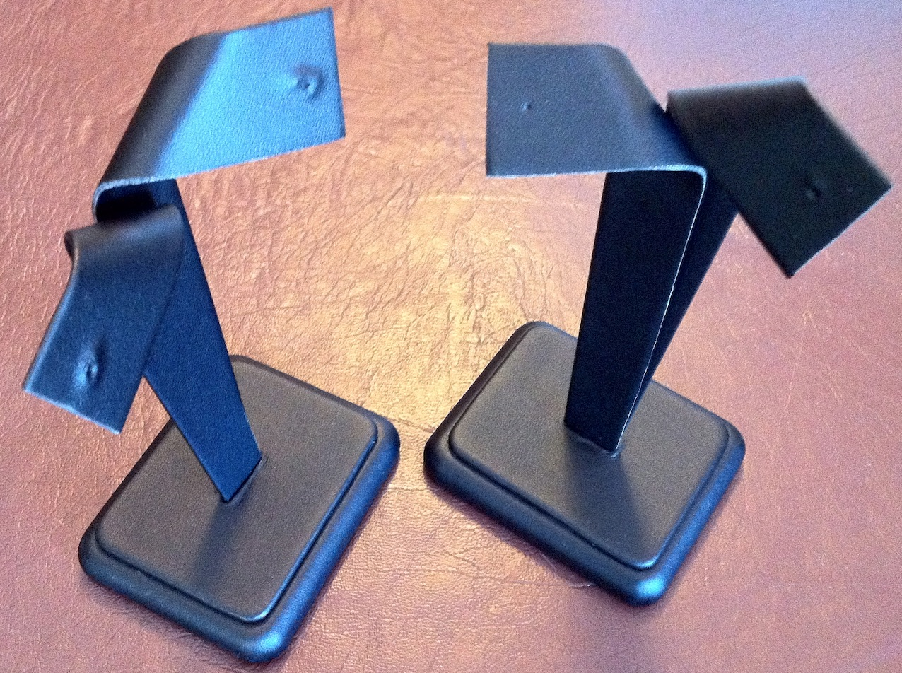 Black Leatherette Bow Earring Stand