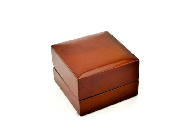 Timber Elegance Closed Ring Box