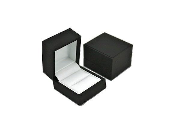 Pure Black/ Pure White Ring Box