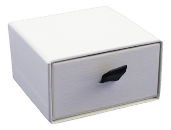 Pearl Vogue Pendant Box