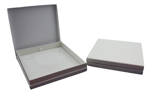 white necklace box