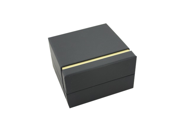 Black Chic Ring Box