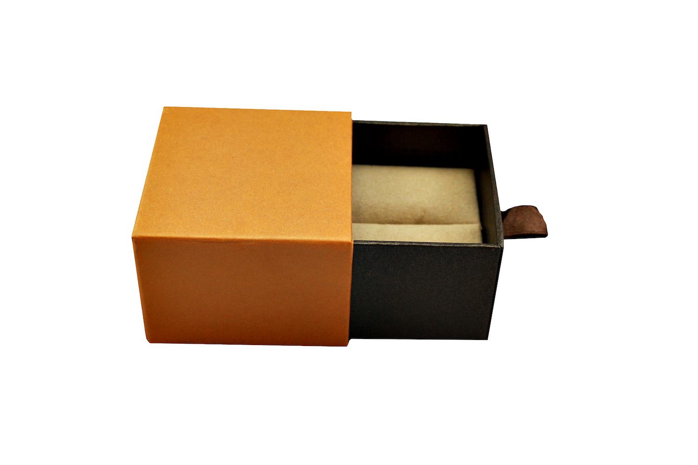 Retro Vogue Ring Box