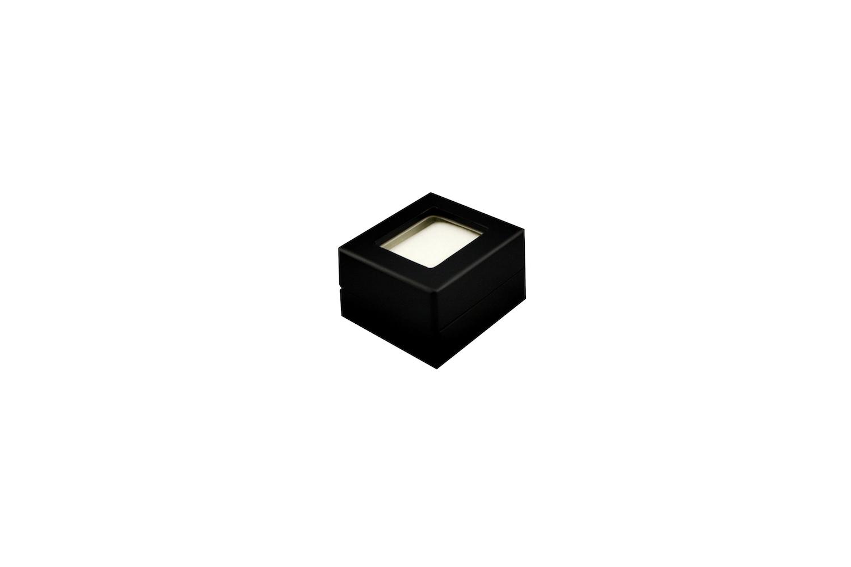 Diamond Display White in Black