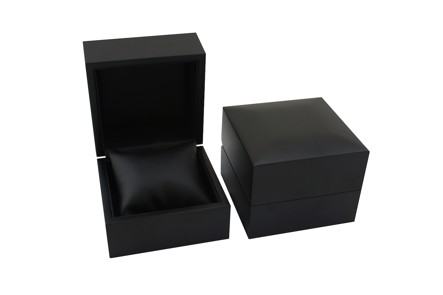 Black in Black Elegance Bangle Box open and closed