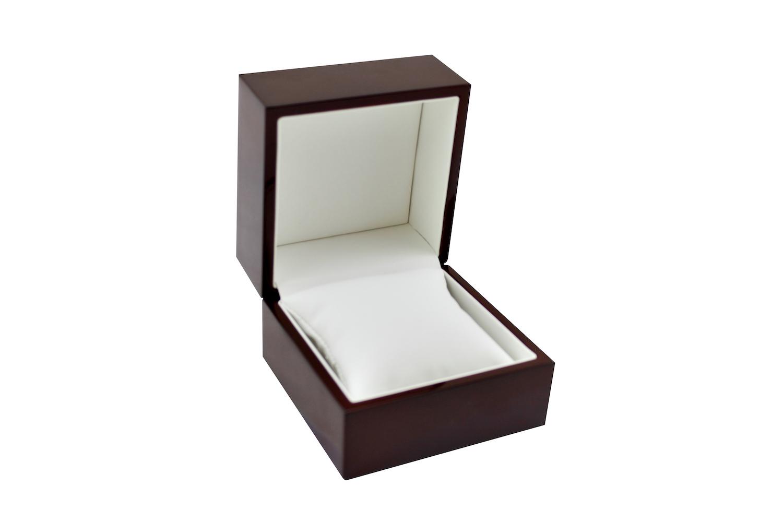 Traditional Elegance Bangle Box Closed