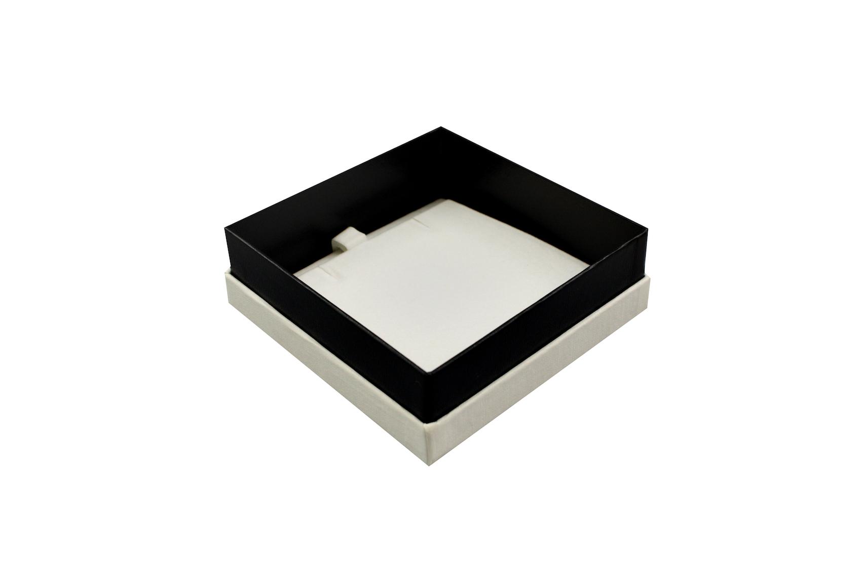 Little White Pendant Box Open
