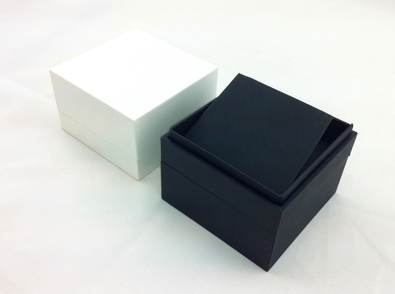 Black extra large earring or pendant box.