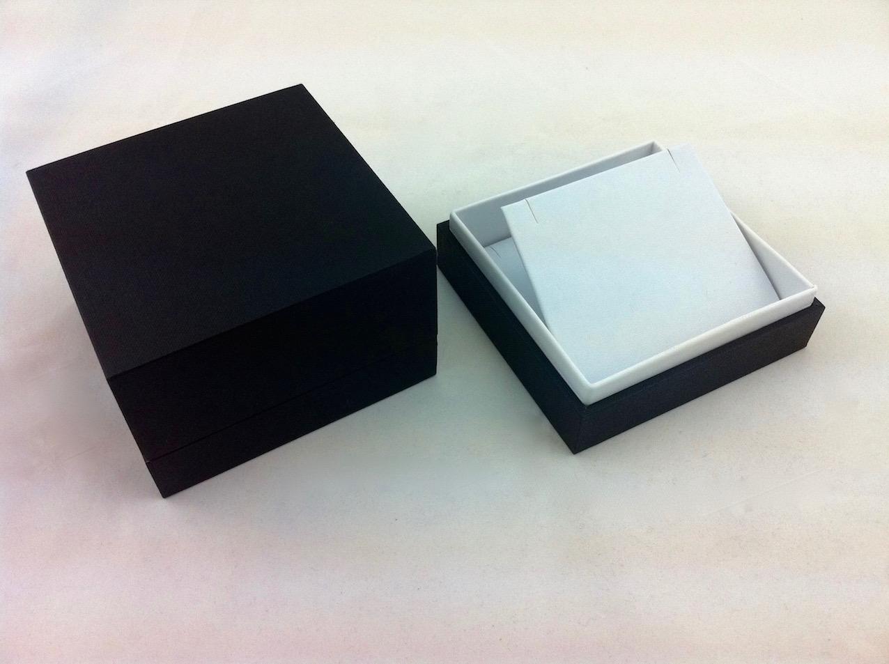 B&W X Large Pendant box