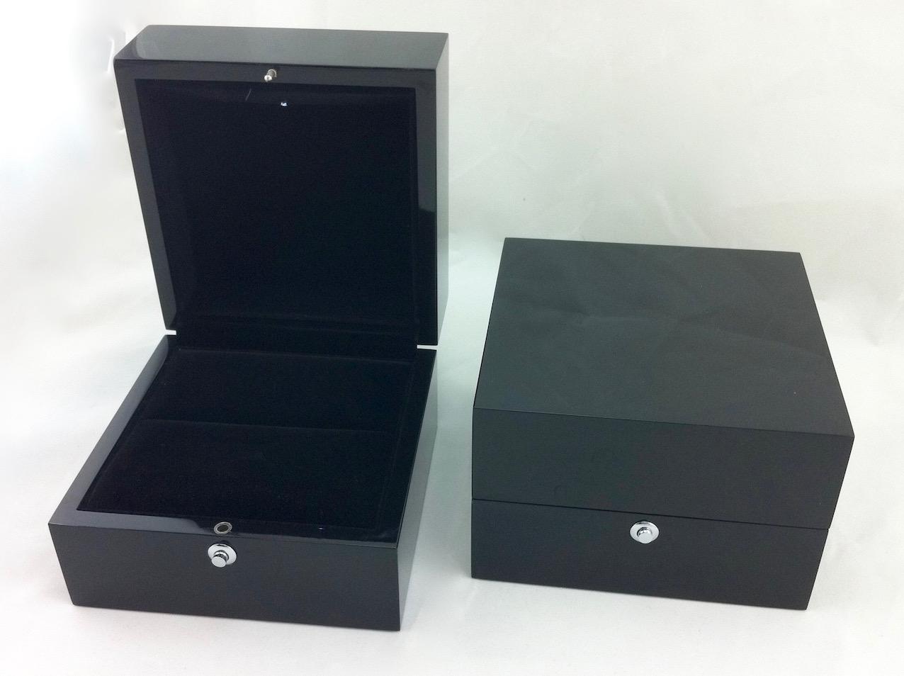 Black superb ring box