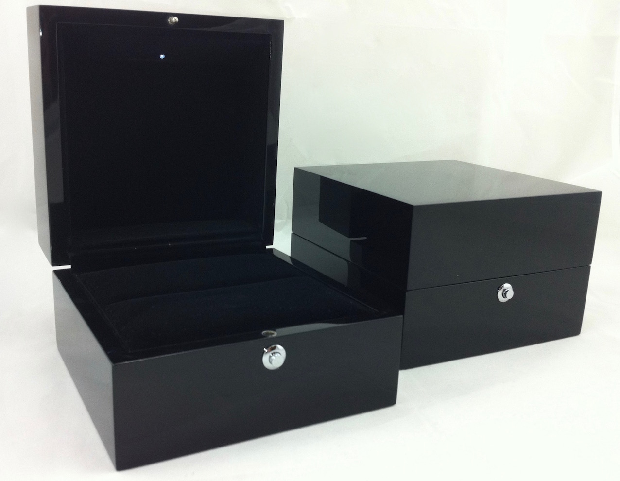 Platinum Gloss Black Suede Ring Box