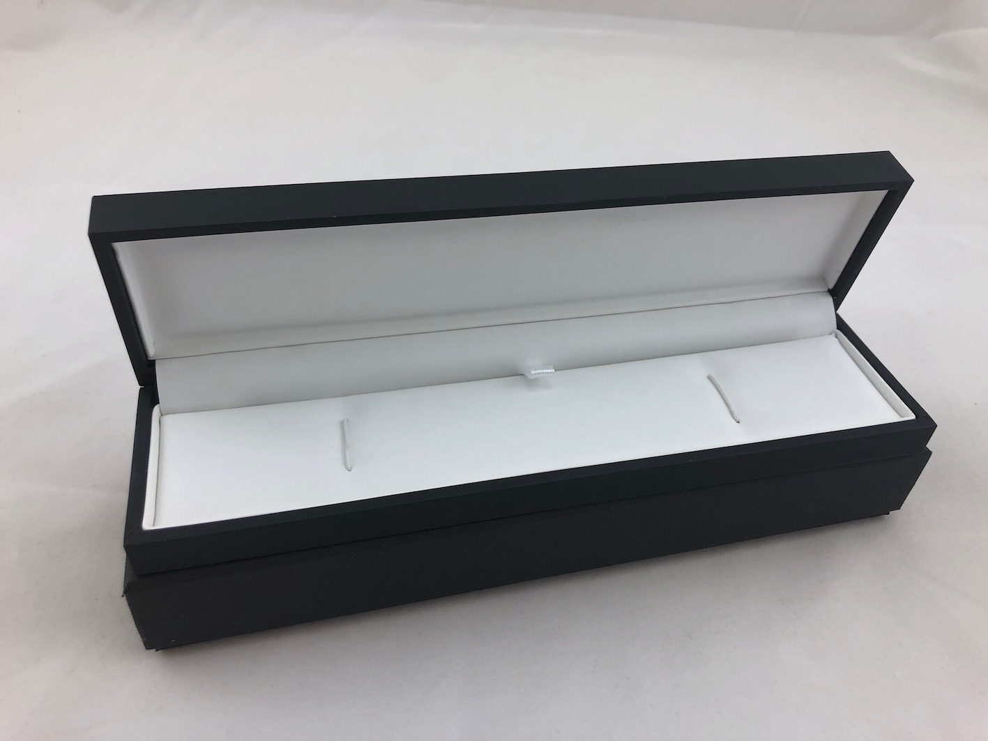 Pure Black/ Pure White Bracelet Box