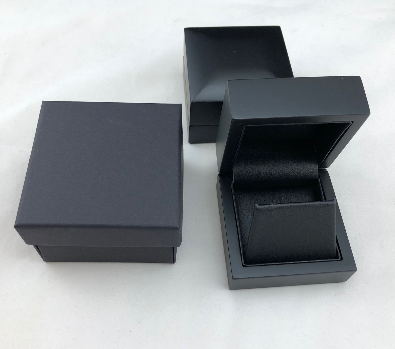Midnight Elegance Earring Box & 2-piece packer