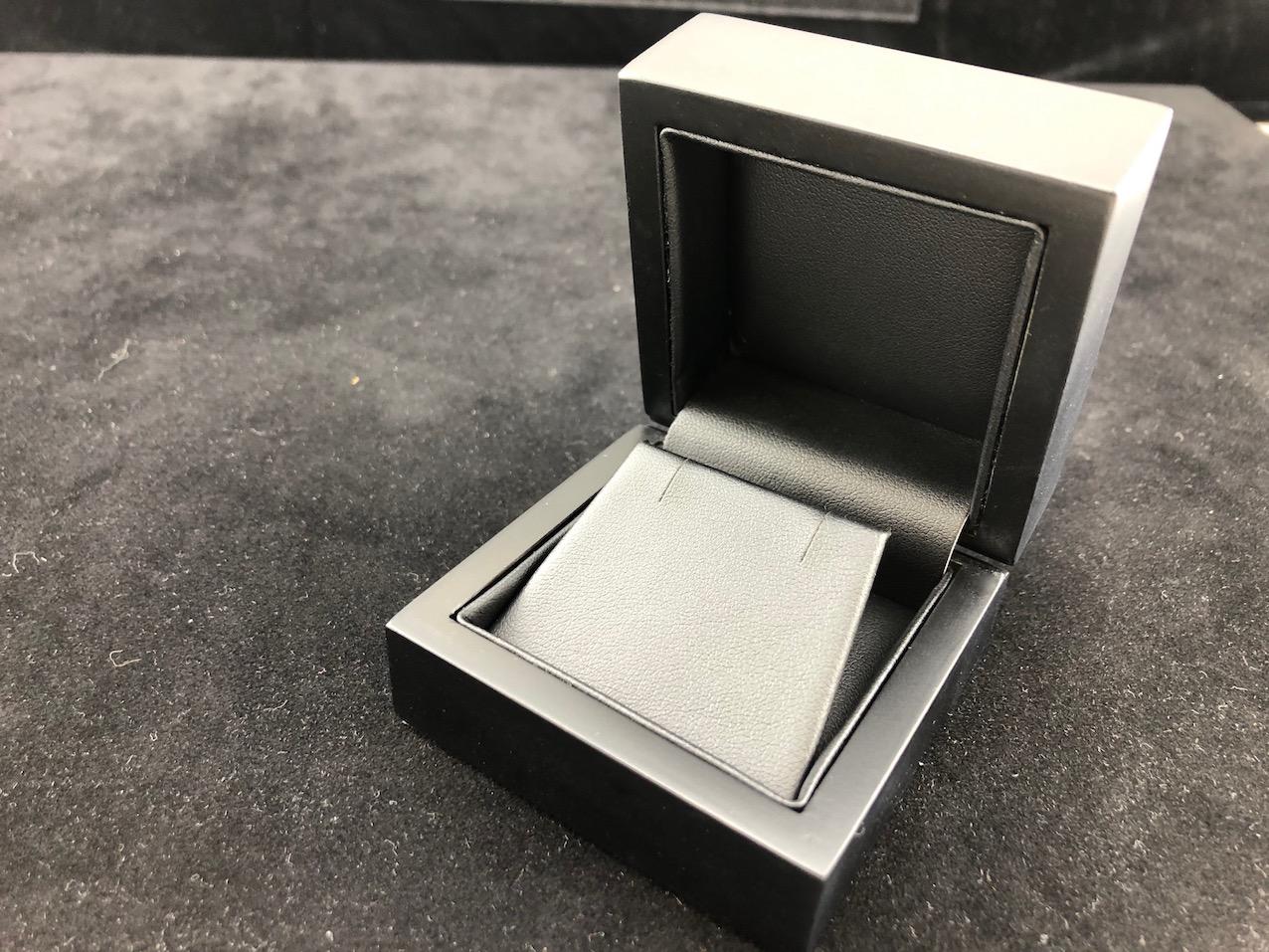 Matte Black, Black Leather Feel Interior, Ring Box