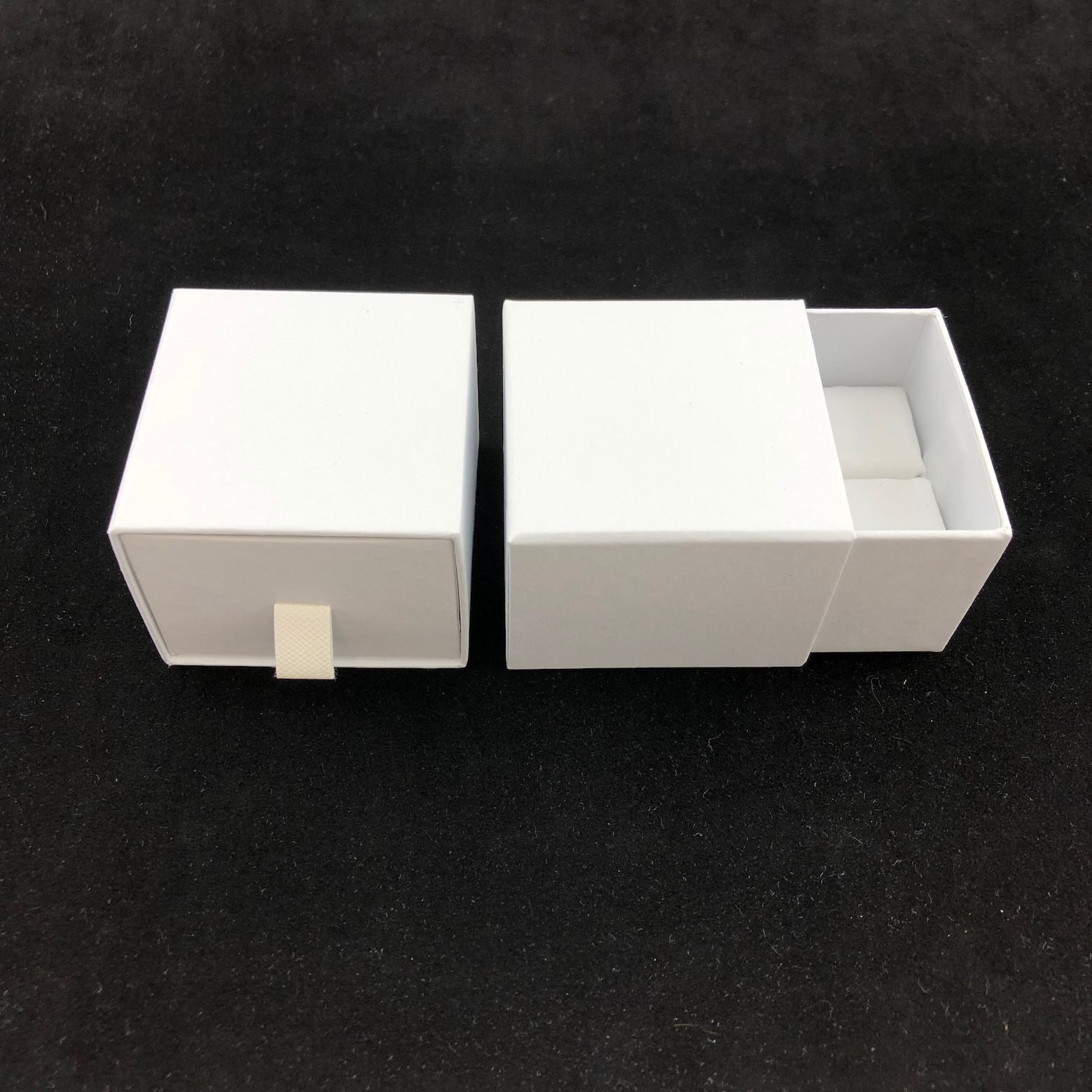 White Vogue Ring Box