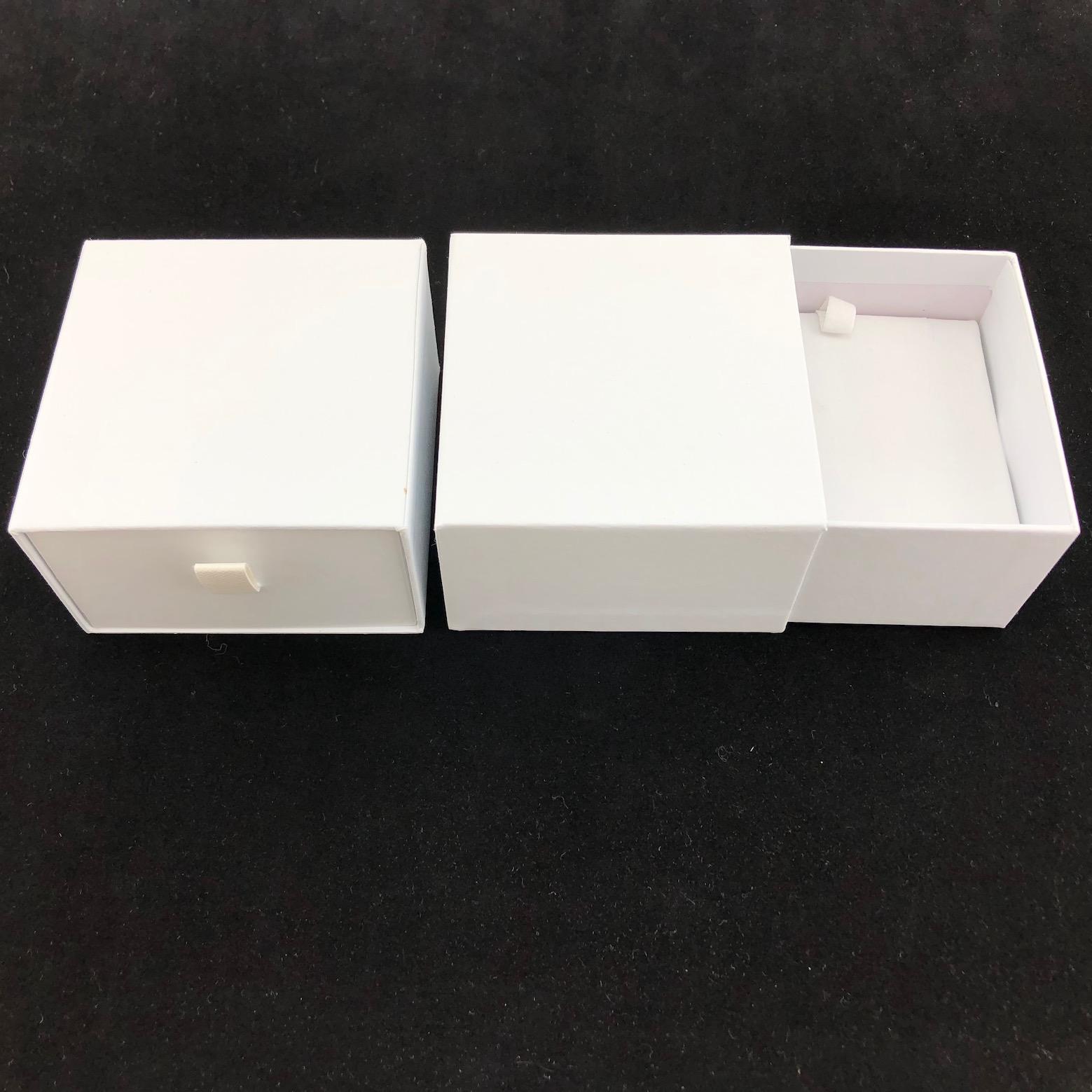 White cardboard pendant box