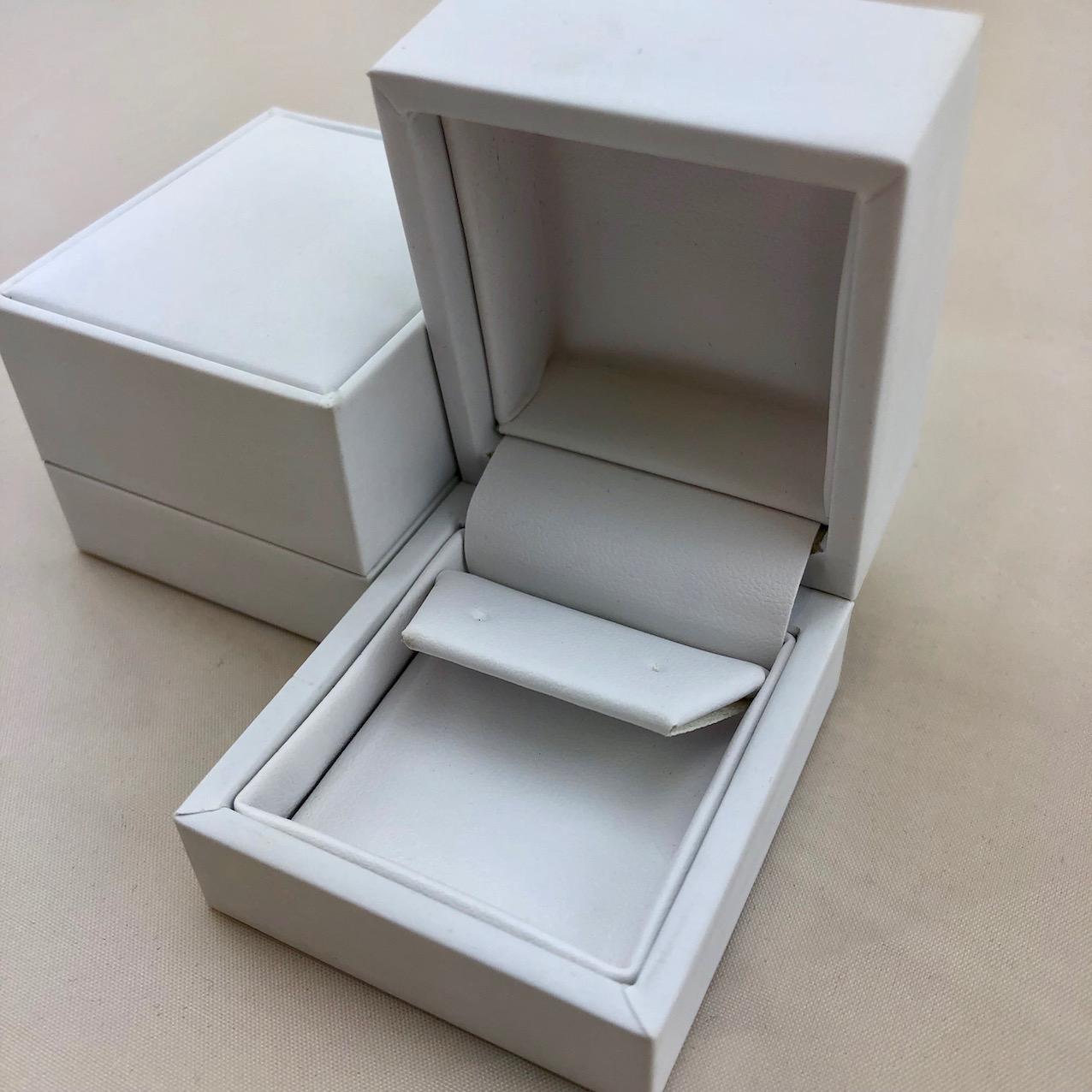 Pure White Stud Earring Box