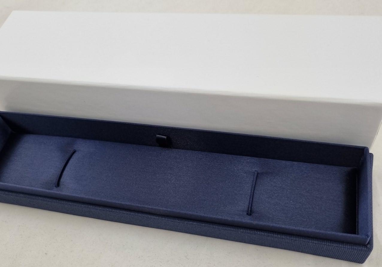 Pen or bracelet box