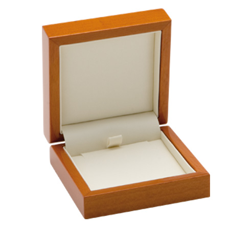 Luxury Leather Pendant Box Open