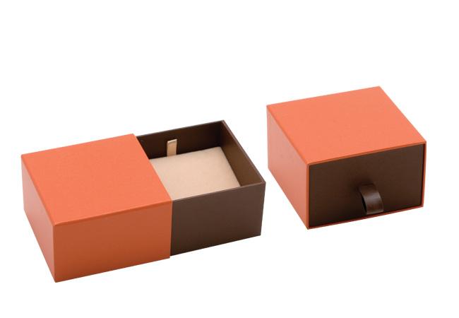 Orange Vogue Pendant Box