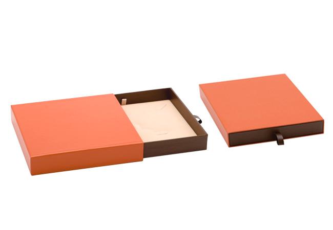 Orange Vogue Large Necklace Box