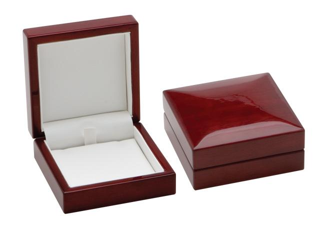 Traditional Elegance Pendant Box