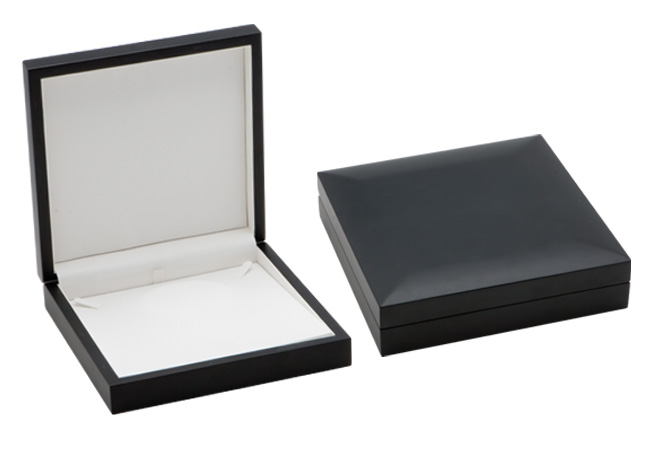 Modern Elegance Large Necklace Box (Pearl Necklace insert also available)