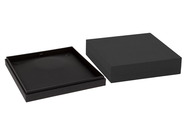Black Envy Large Necklace Box