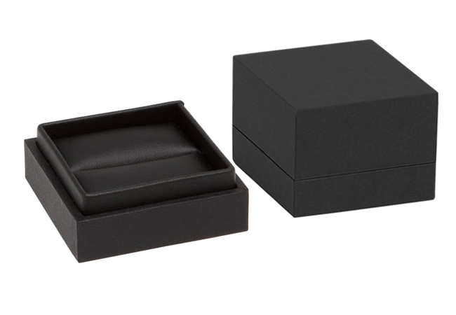 Black Envy Ring Box