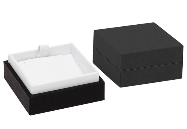 Black/White Envy Small Pendant Box