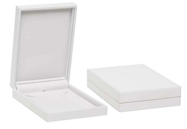 Pure White Mid Necklace Box