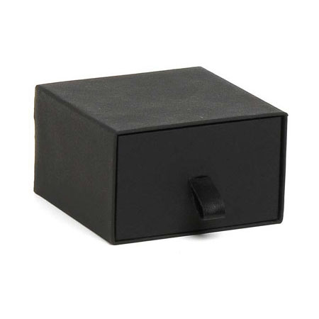 Black Vogue Pendant Box